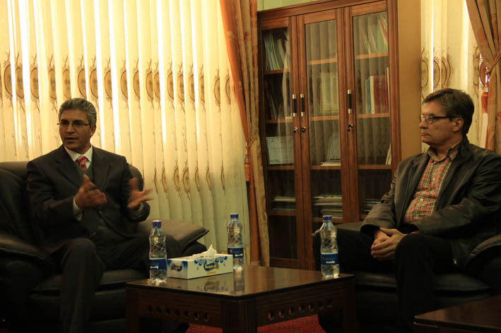 Photo: Fardin Waezi (UNAMA): Mr. Fedotov visits clients at the Jangalak drug treatment centre in Afghanistan