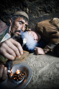 Afghan opium smoker. Photo: A. Scotti/UNODC