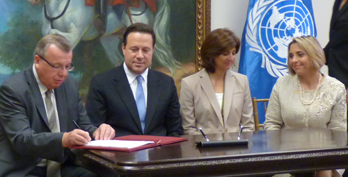 Photo: UNODC: Delegation at the signing ceremony