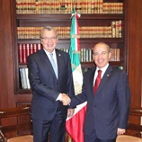UNODC Executive Director, Yury Fedotov (left) and the President of Mexico, Felipe Calderón (right)