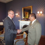UNODC Executive Director, Yury Fedotov (left) with the President of Mauritius, Kailash Purryag (right)