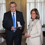 UNODC Executive Director, Yury Fedotov (left), with the Spanish Minister of Health, Social Services and Equality, Ana Mato Adrover (right)