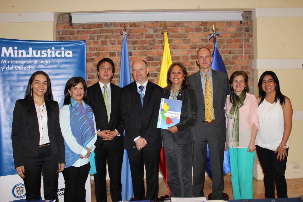 Predem cinco ong de colombia obtienen millones de for Oficina nacional de lucha contra los delitos de odio